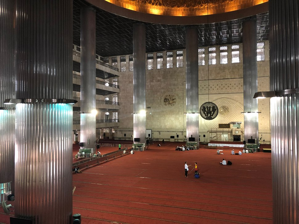 (Mike Stack | for The Salt Lake Tribune) Vast interior of Southeast Asia's largest mosque -- Istiqlal Mosque in Jakarta, Indonesia, in October 2017