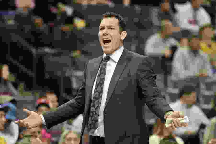 Andy Larsen: Lakers' Luke Walton isn't a great coach, but putting him on the mid-season hot seat won't help