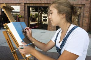 (Rick Egan | The Salt Lake Tribune)  Meera Edwards paints in on 200 South, as part of the The Blocks Urban Plein Air Festival, Thursday, Sept. 13, 2018.