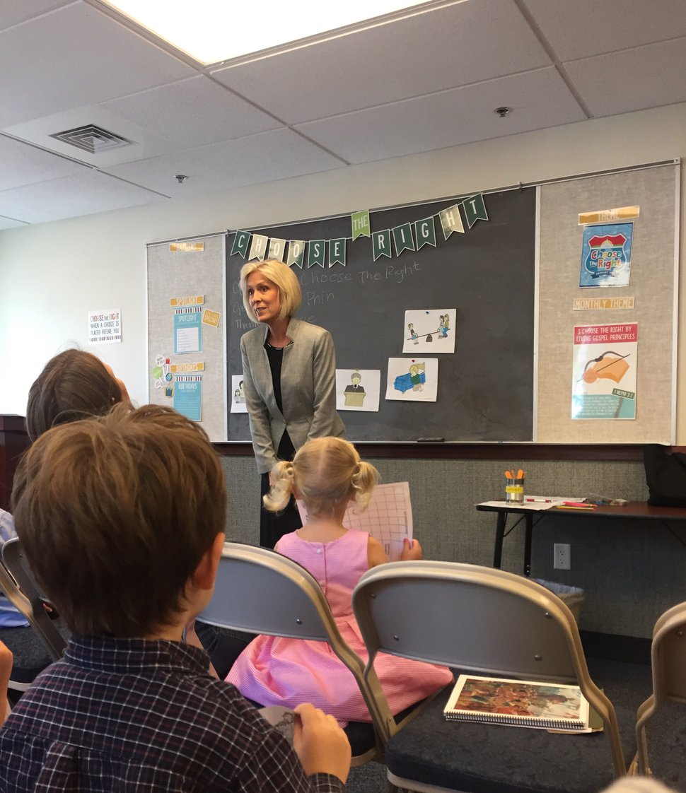 (Photo courtesy of The Church of Jesus Christ of Latter-day Saints) Joy D. Jones, Primary general president, talks with Primary children in Washington, D.C., Sunday, June 4, 2017.