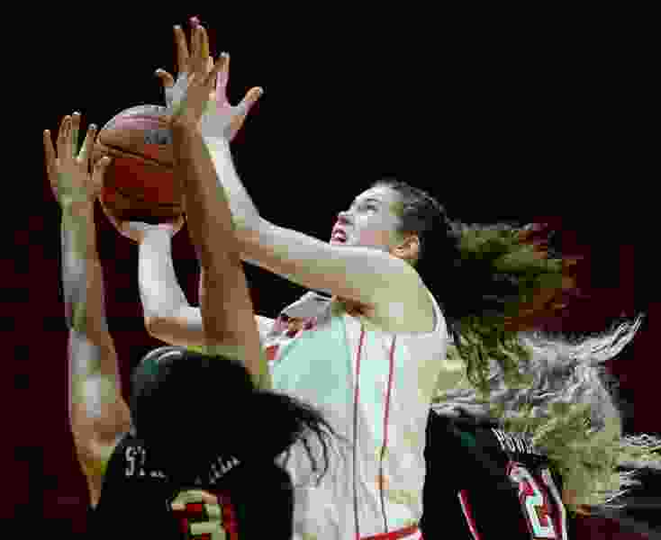 10-0: Utah's women's basketball team remains undefeated after beating Florida, 74-58