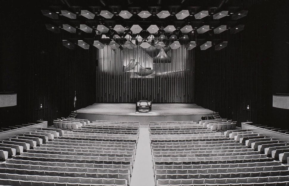 In an undated image provided by Sedge LeBlang and the New York Philharmonic Leon Levy Digital Archives, the pipe organ at Philharmonic Hall, as David Geffen Hall was known when it opened in 1962, that was removed during a 1976 renovation. No decision has yet been made on whether the rebuilding of Geffen Hall will return a pipe organ to the New York Philharmonic's home at Lincoln Center. (Sedge LeBlang/The New York Philharmonic Leon Levy Digital Archives via The New York Times) -- NO SALES; FOR EDITORIAL USE ONLY WITH NYT STORY GEFFEN HALL PIPE ORGANS BY MICHAEL COOPER FOR DEC. 15, 2019. ALL OTHER USE PROHIBITED. --