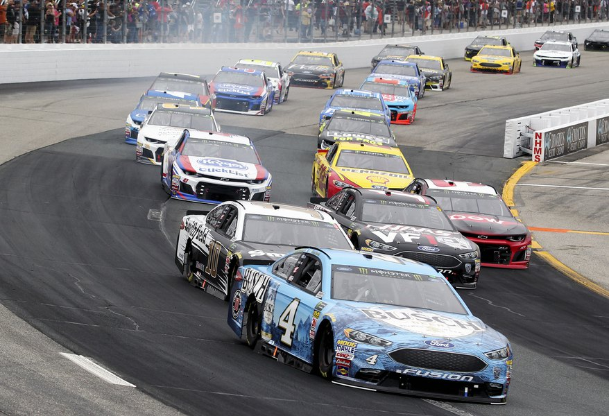 Kevin Harvick S Late Bump And Run Scores Nascar Win The Salt Lake