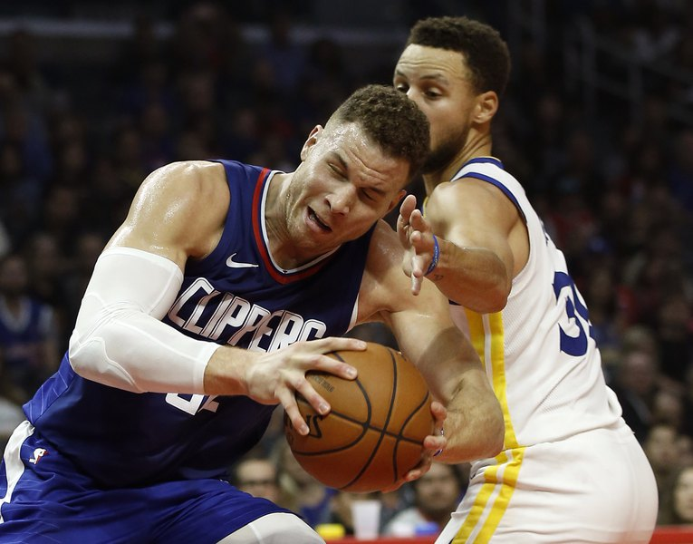 e15bca8e9ce Around the NBA  Stephen Curry s 45 points leads Warriors over  injury-plagued Clippers