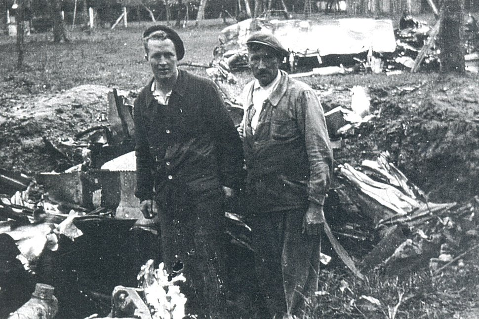 (courtesy of the Imperial War Museum and the Lonnie Moseley family) 2nd Lt. L. L. Moseley, 78th FG, 84th FS at his crash site in France.