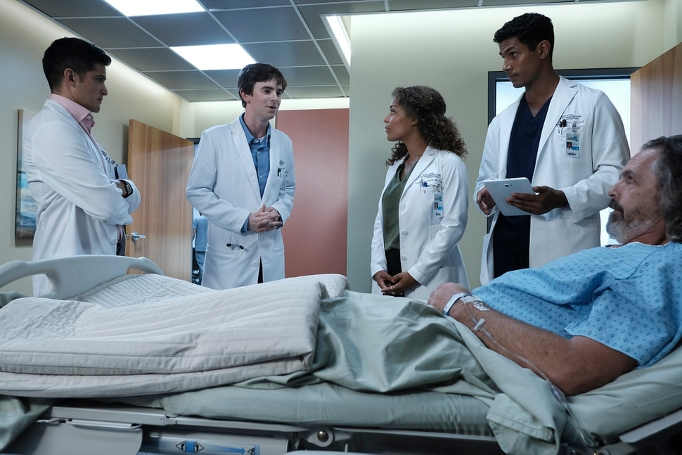 "(Eike Schroter/ABC) Nicholas Gonzalez, Freddie Highmore, Antonio Thomas, Chuku Modu and guest star Rocky Anderson in ""The Good Doctor."""