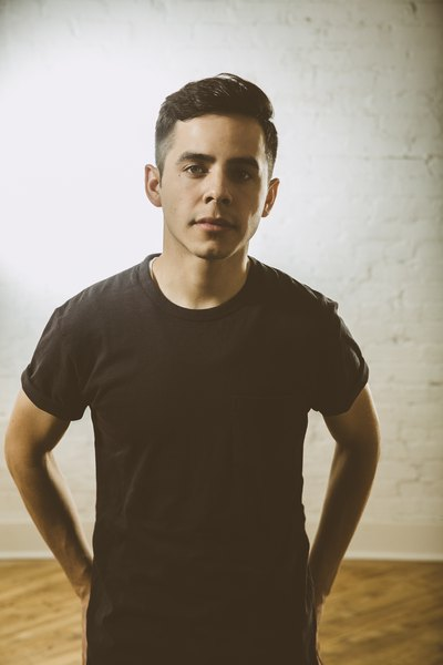 The 27-year old son of father (?) and mother(?), 168 cm tall David Archuleta in 2018 photo