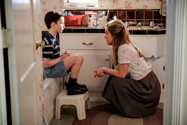 """(Photo: Darren Michaels/Warner Bros.) Sheldon (Iain Armitage) and his mother, Mary (Zoe Perry), on """"Young Sheldon."""""""