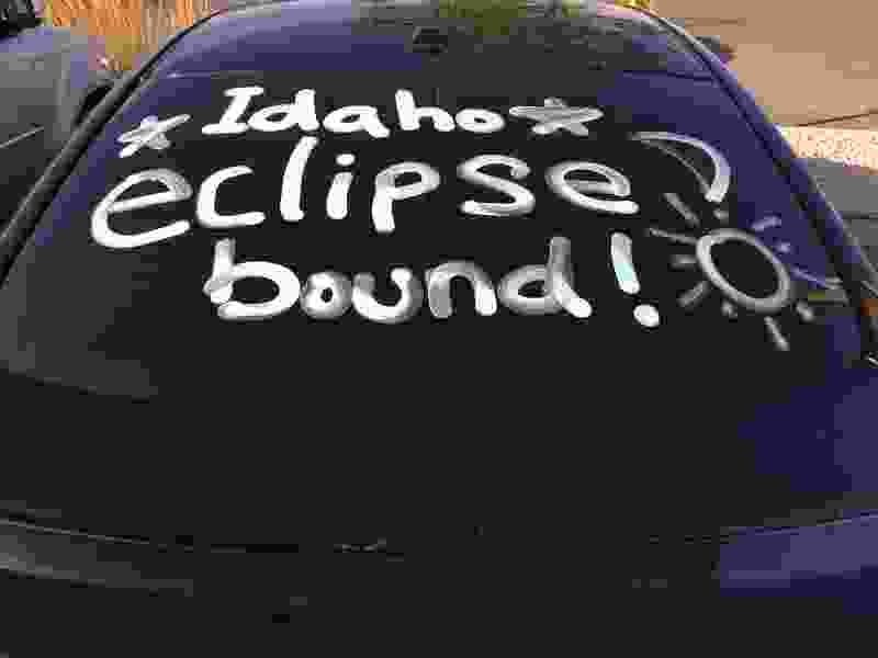Traffic into Utah jammed as eclipse fans head home on Interstate 15