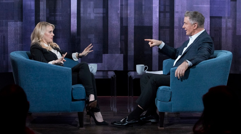 "(Photo courtesy Heidi Gutman/ABC) Alec Baldwin interviews Kate McKinnon on ""The Alec Baldwin Show."""
