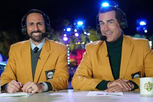 """(Photo courtesy of Christopher Willard/ABC) Joe Tessitore and Rob Riggle provide play-by-play and commentary on """"Holey Moley."""""""