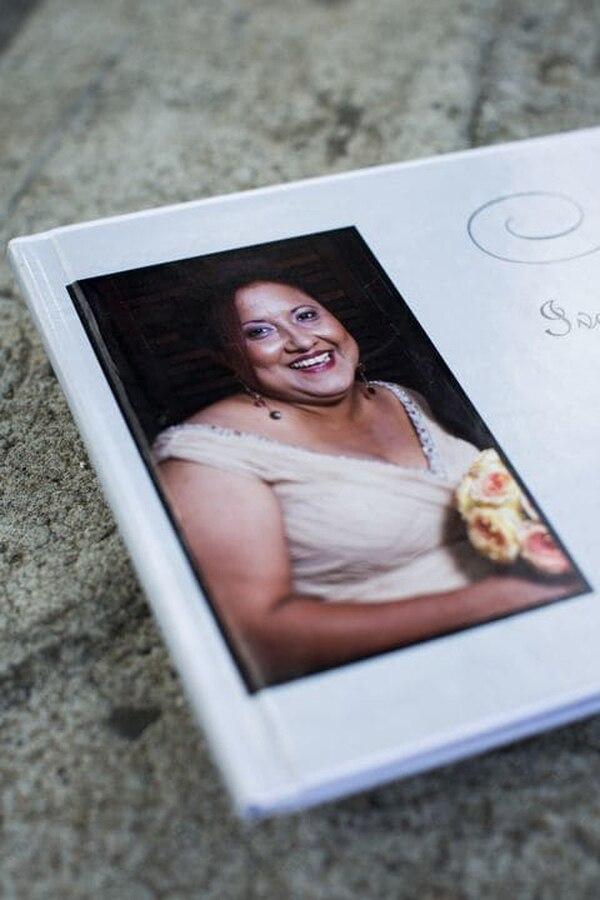 (Erika P. Rodríguez | The Washington Post) A memorial book for Ivette Leon.