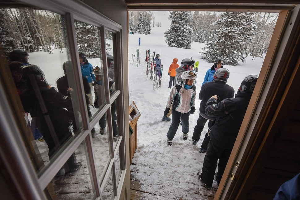 (Francisco Kjolseth | The Salt Lake Tribune) As a day of carving turns comes to a close, skiers congregate at the Sunset Cabin near the top of Deer Valley Resort for an only ski-in, ski-out Friday afternoon Shabbat, the Jewish Sabbath service. Held during the winter season Rabbi David Levinsky altered the prayer in the Amidah that calls for wind and rain to wind and snow. Jan. 26, 2018.