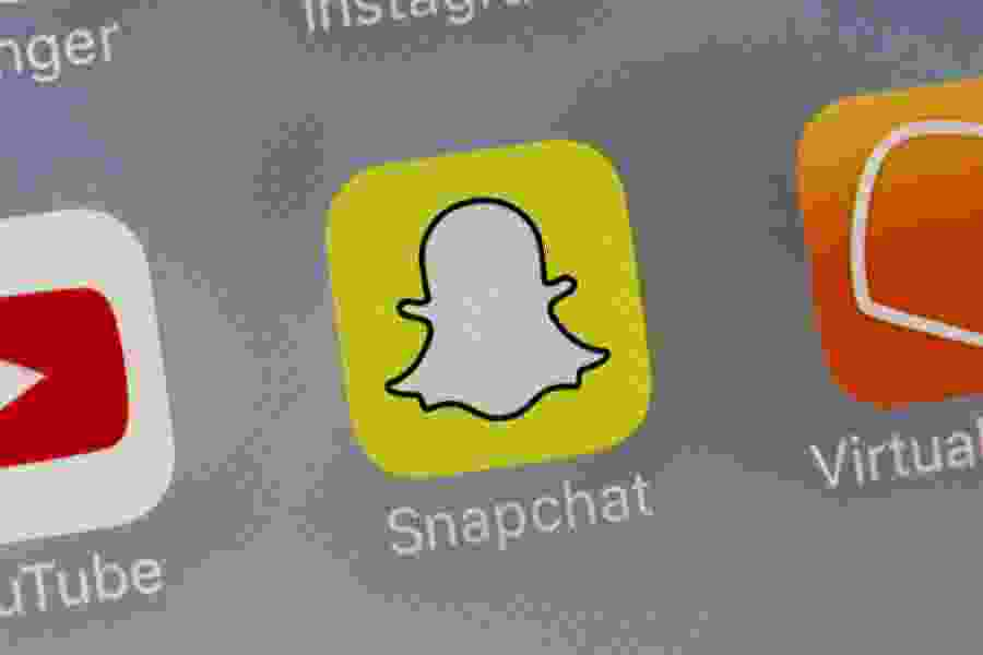 Snapchat and Twitter adopting new looks to gain more users