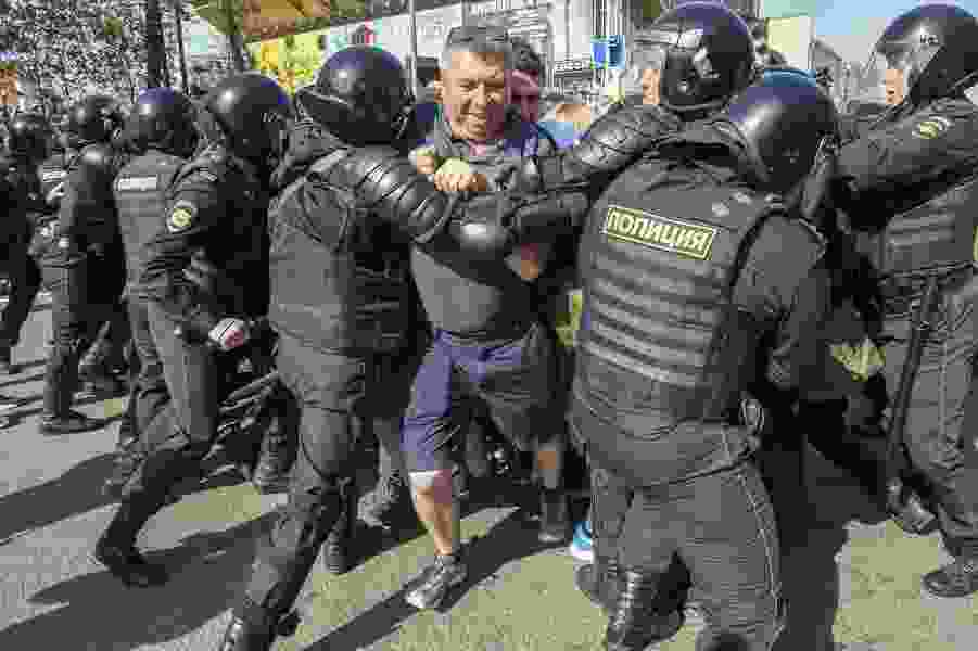 Russia police detain 1,600 people protesting Putin's fourth term