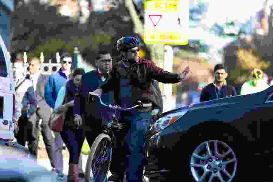 Increases in bicyclist and pedestrian deaths outpace traffic fatalities, report says