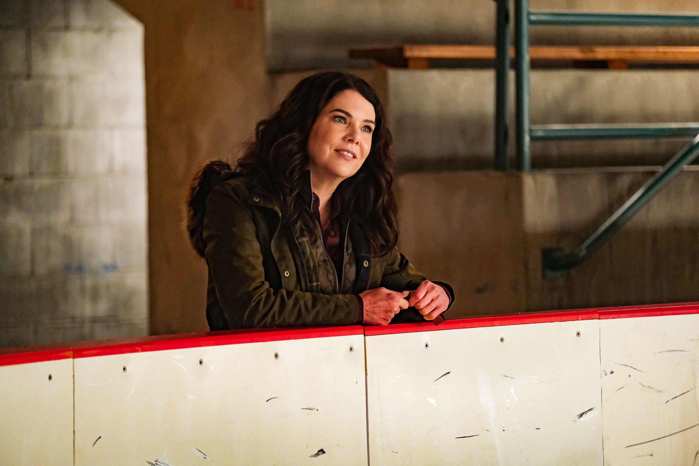 "(Photo courtesy of Liane Hentscher/ABC) Lauren Graham as Alex in ""The Mighty Ducks: Game Changers."""