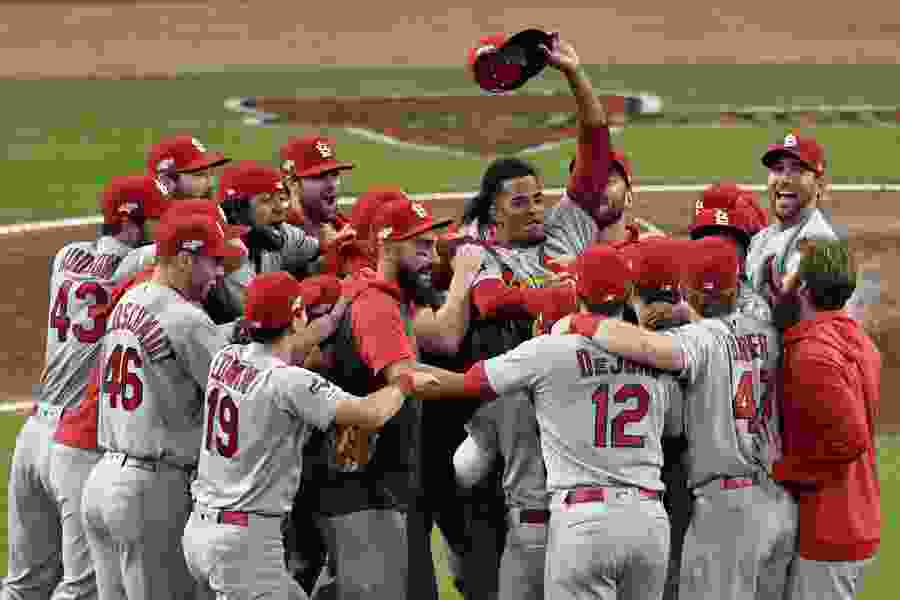 Cardinals oust Braves from NLDS with record 1st inning
