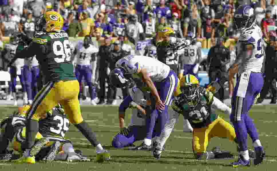 NFL roundup: Vikings and Packers battle to 29-29 tie