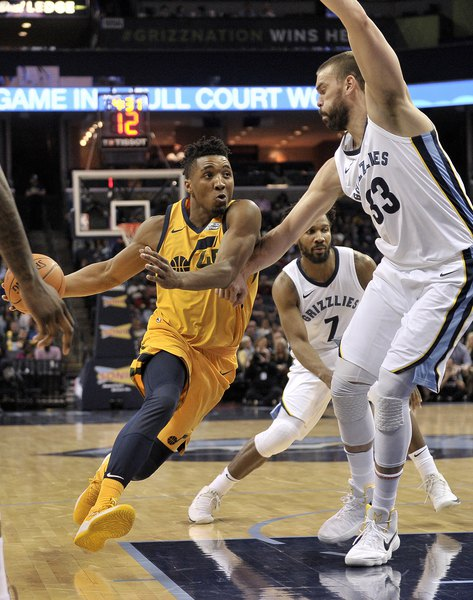 b85298668 Jazz beat Grizzlies 95-78 for 10th straight road win - The Salt Lake ...
