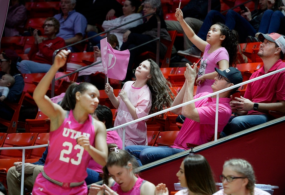 Gulich, Pivec lead No. 17 Oregon State women over Utah 69-58
