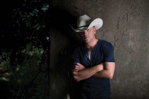 """(Photo courtesy of Jason Meyers) Justin Moore's 2016 album, """"Kinda Don't Care,"""" saw him expand his sonic palette a bit. """"""""We really wanted to almost make ourselves uncomfortable — as funny as that sounds — at times. We did some things … that I wouldn't have done in the past."""""""