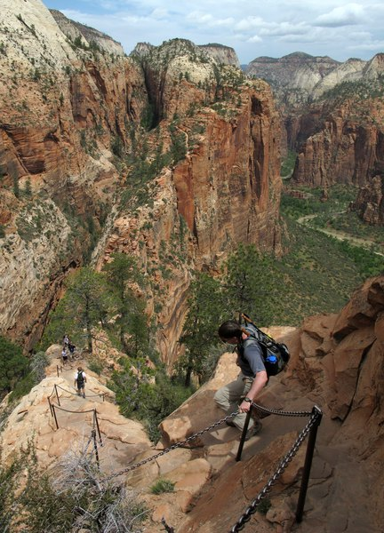 13 year old girl dies in fall from angels landing trail in zion