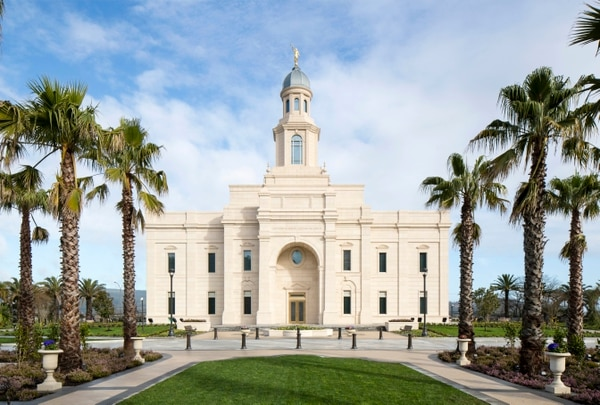 (Courtesy of The Church of Jesus Christ of Latter-day Saints) The Concepción Chile Temple.