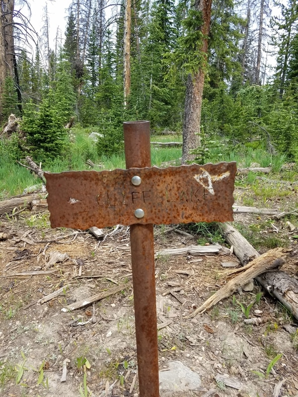 Jessica Miller | The Salt Lake Tribune This sign guides hikers towards Cliff Lake, where the trail continues to Clyde Lake.