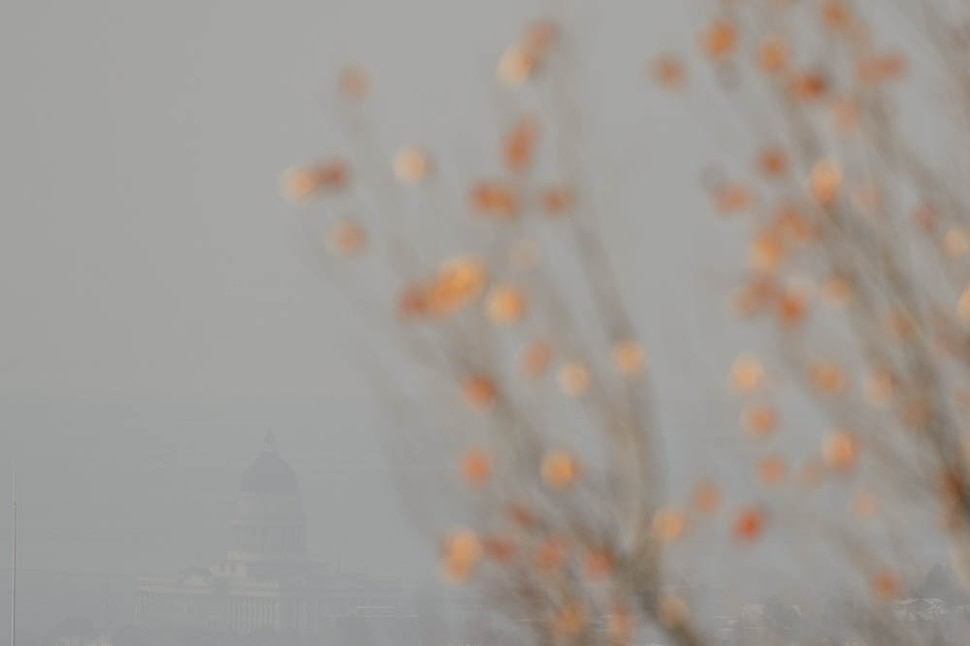 (Trent Nelson | The Salt Lake Tribune) The capitol in Salt Lake City on a hazy day, Thursday Dec. 6, 2018.