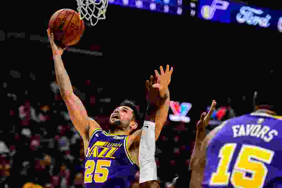 Mitchell, Korver lead Jazz to win over Nuggets