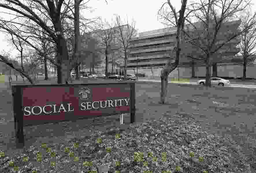 Allan Sloan: Don't wait to make big Social Security fixes