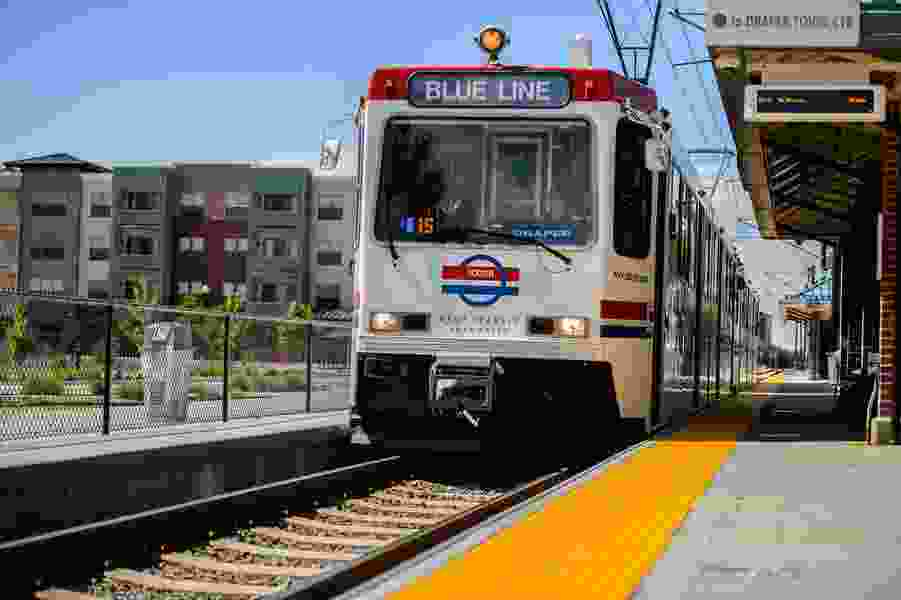 Feds award UTA grants to study expanding TRAX and FrontRunner