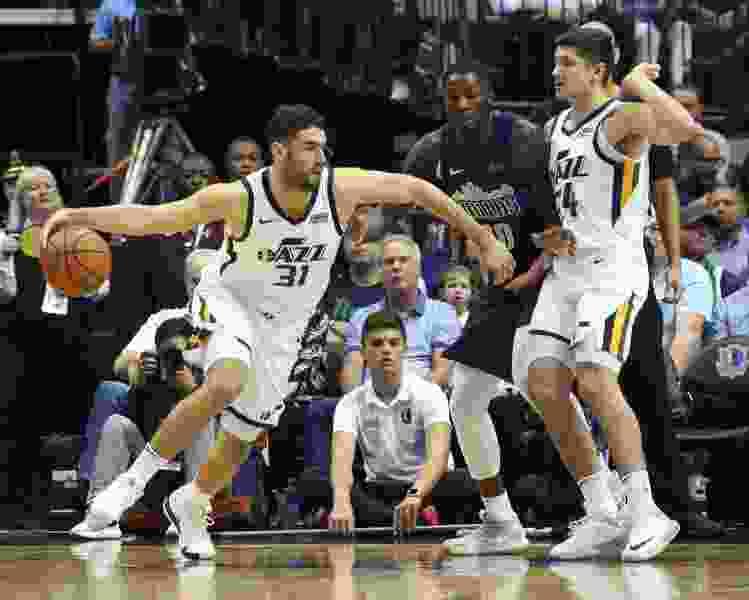Bench comes up big as Utah Jazz beat Dallas Mavericks 113-104 for third straight road win