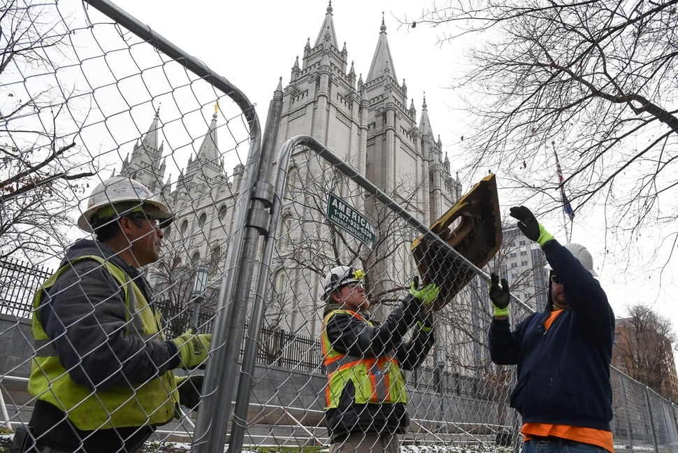 (Francisco Kjolseth | The Salt Lake Tribune) Crews begin to prepare the grounds for the 4-year renovation of the Salt Lake Temple and Temple Square on Thursday, Jan. 2, 2020.