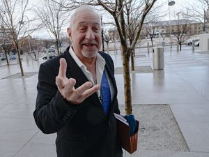 (Francisco Kjolseth  |  The Salt Lake Tribune) L.A. Attorney Mark Geragos, who has represented music stars Michael Jackson and Chris Brown, arrives for the final day of jury selection at the federal courthouse in Salt Lake City, Wednesday, Jan. 29, 2020, in the trial of Lev Dermen, who is charged with 10 felonies related to fraud at Washakie Renewable Energy.