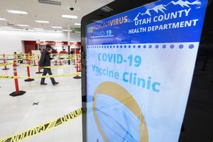 (Leah Hogsten | The Salt Lake Tribune)  Utah County residents lined up Thursday in Spanish Fork to receive the COVID-19 vaccine from Utah County Health Department, Mar. 25, 2021.