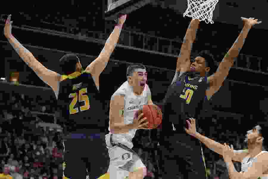 Yeah, the Pac-12 needed this: Oregon is in the Sweet 16, with the same defense that stymied Utah.