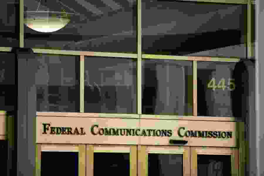 FCC plan would give internet providers power to choose the sites customers see and use