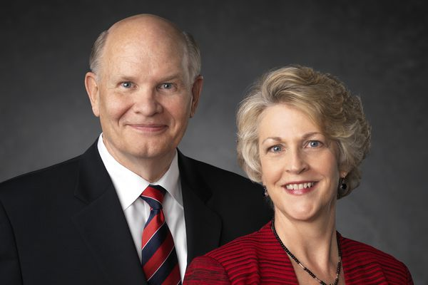(Photo courtesy of The Church of Jesus Christ of Latter-day Saints) Apostle Dale G. Renlund and his wife, Ruth Lybbert Renlund.