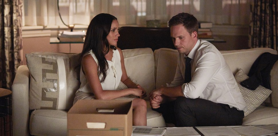 """(Photo by: Shane Mahood/USA Network) Meghan Markle as Rachel Zane and Patrick J. Adams as Michael Ross in """"Suits."""""""