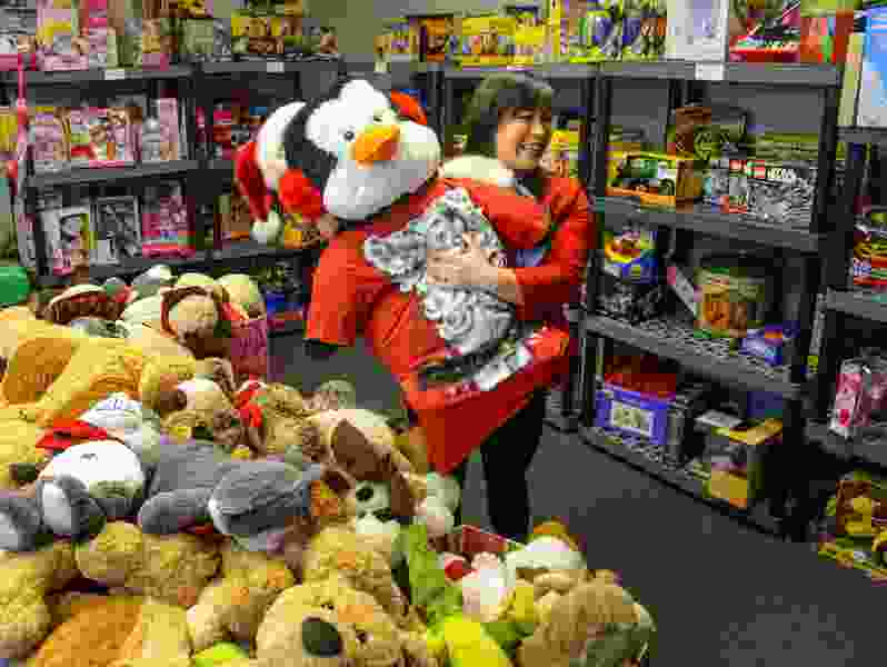 Commentary: Americans are wildly generous at the holidays. And then it stops.