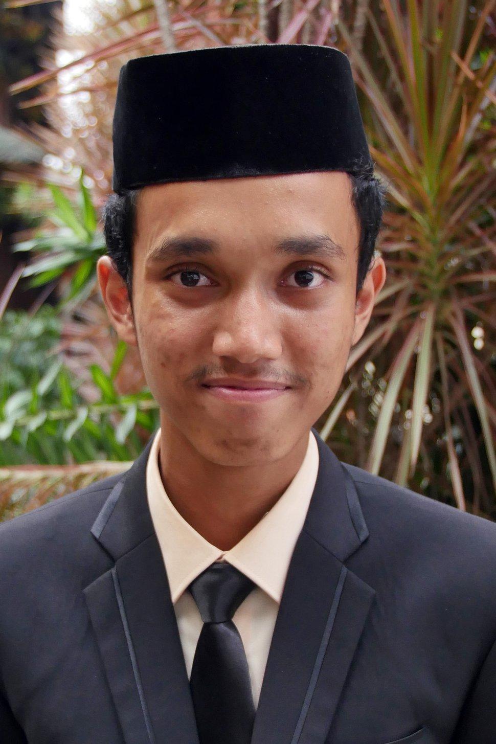 (Mike Stack | for The Salt Lake Tribune) Vaza Zuvarullutvan, 17-year-old student at the Darunnajah Islamic Boarding School in Jakarta, Indonesia, in October 2017