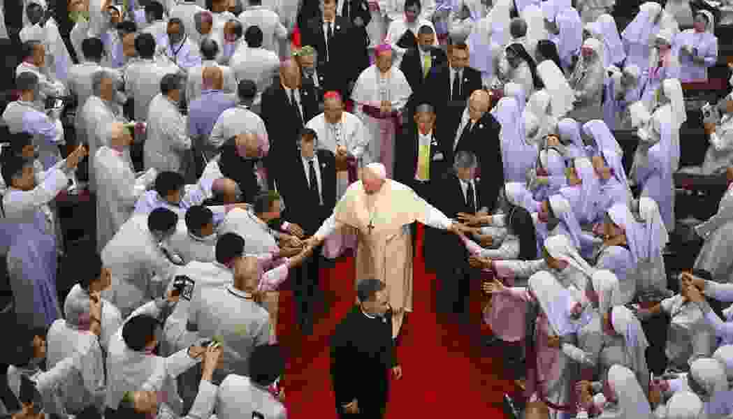 Pope calls for nuclear disarmament during Japan visit
