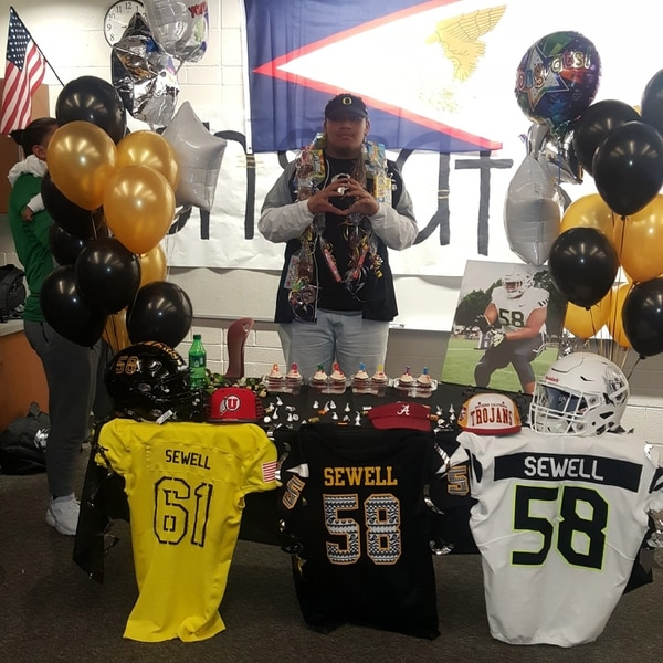 (Courtesy of Gabe Sewell) Desert Hills senior Penei Sewell announces he signed with the University of Oregon on Wednesday.