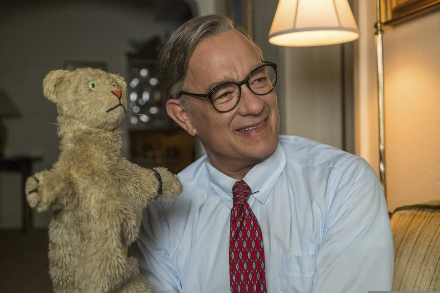 Review Tom Hanks Channels The Kindness Of Mr Rogers In A Beautiful Day In The Neighborhood The Salt Lake Tribune