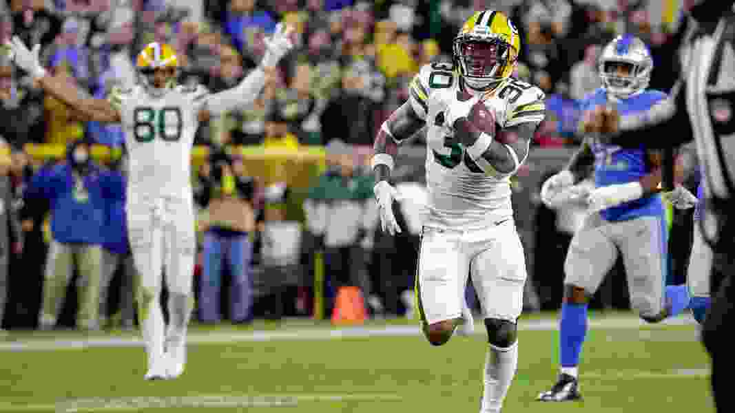 Packers get the calls, Mason Crosby hits late FG to beat Lions