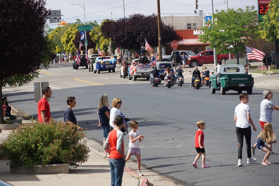 (Zak Podmore | The Salt Lake Tribune) Groups mostly kept their distance at Blanding's Fourth of July parade on Saturday, but few masks were worn.
