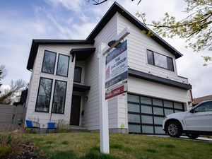(Francisco Kjolseth | The Salt Lake Tribune) A home for sale in Salt Lake City on Tuesday, April 27, 2021. Even with housing demand in Utah at historic highs, home sales along the Wasatch Front dropped earlier this year for a lack of supply. Prices, meanwhile, keep climbing for single-family homes as razor-thin supplies dampen sales and buyers go for more affordable alternatives such as condominiums and town homes.