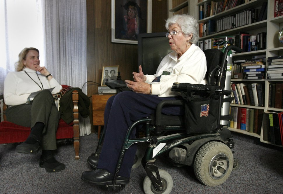 (Al Hartmann | The Salt Lake Tribune) Becky Lloyd, an interviewer for the University of Utah's Oral Histories project, left, interviews Barbara Toomer, a veteran, on Feb. 25, 2006.
